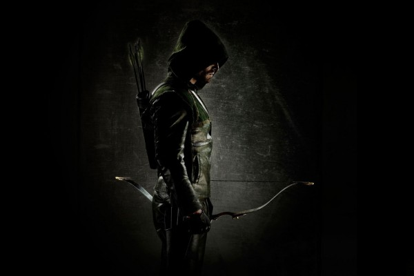 Stephen-Amell-in-ARROW-600x400